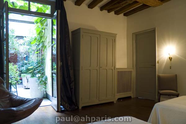 Ah Paris vacation apartment 142 - chambre2_3