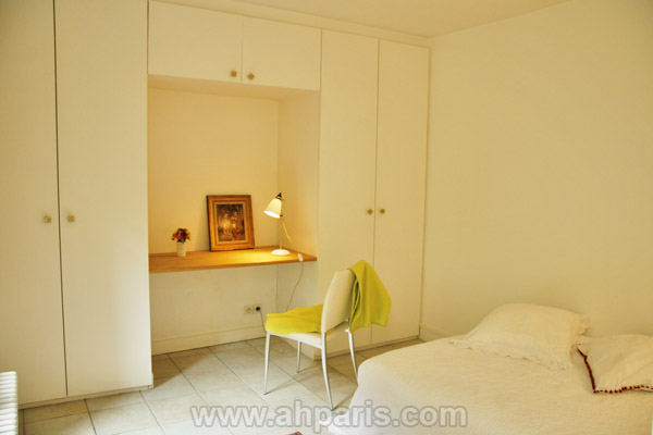 Ah Paris vacation apartment 187 - chambre2_2