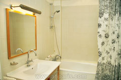 Ah Paris vacation apartment 187 - sdb2