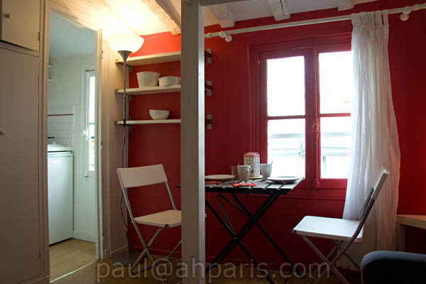 Ah Paris vacation apartment 188 - salon2