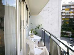 Ah Paris vacation apartment 254 - balcon