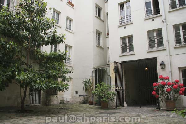 Ah Paris vacation apartment 318 - immeuble