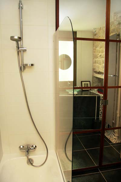 Ah Paris vacation apartment 321 - sdb3