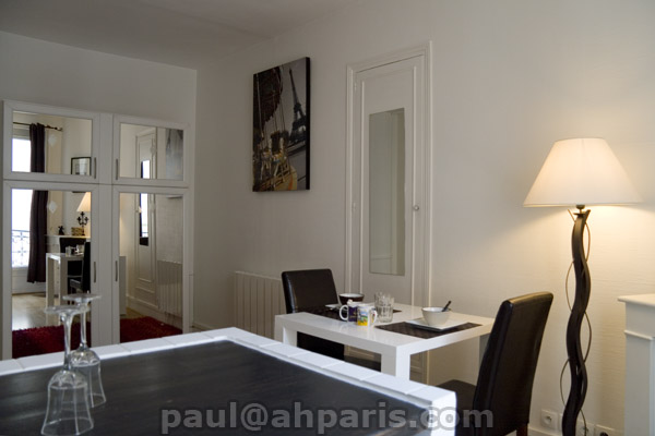Ah Paris vacation apartment 323 - salon3