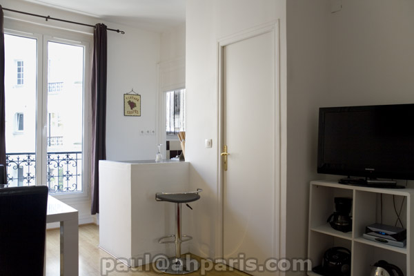 Ah Paris vacation apartment 323 - salon4