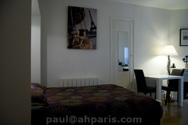 Ah Paris vacation apartment 323 - salon6