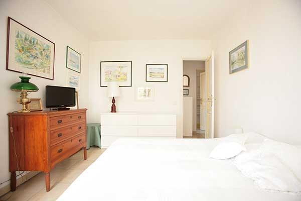 Ah Paris vacation apartment 324 - chambre