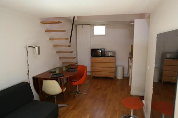 Ah Paris vacation apartment 334 - salon3