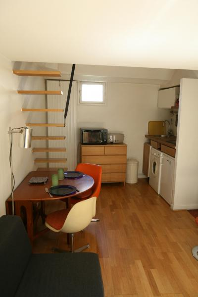 Ah Paris vacation apartment 334 - salon4