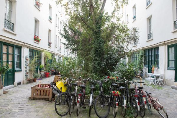 Ah Paris vacation apartment 384 - immeuble