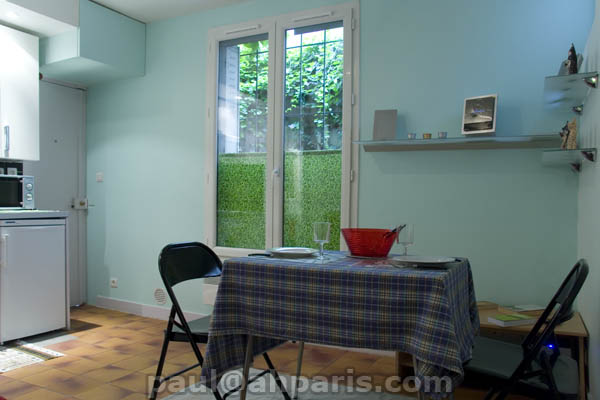 Ah Paris vacation apartment 385 - salon3