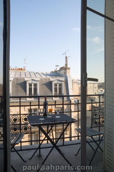 Ah Paris vacation apartment 412 - balcon